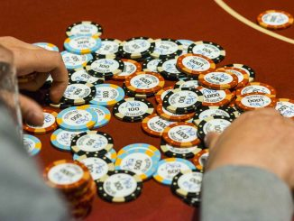 HOW TO IDENTIFY REAL AND FAKE CASINO CHIPS